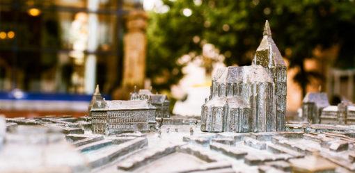 Abenteuer Stadtwelten - Stadtführung & Schnitzeljagd - Skulptur Rostock