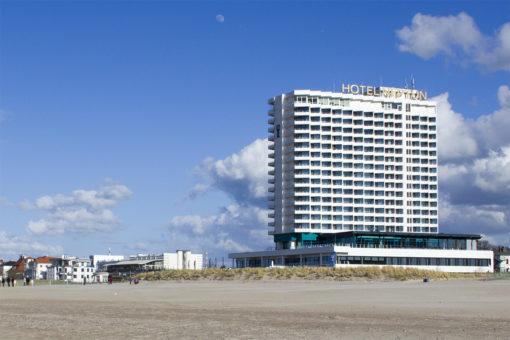 Abenteuer Stadtwelten - Stadtführung Rostock & Warnemünde - Neptun Hotel